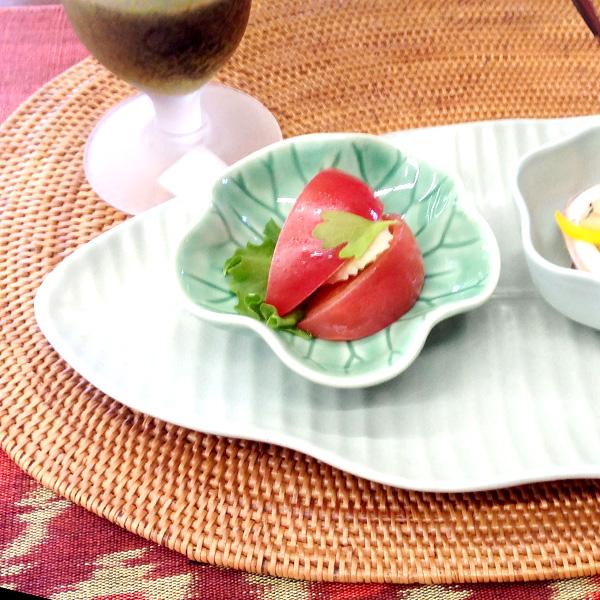 画像1: 蓮の葉ソース皿  Jenggala Keramik Bali(ジェンガラ ケラミック バリ) (1)